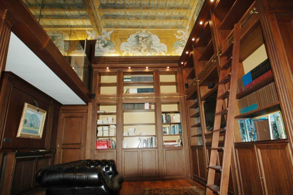 Studio classico in boiserie