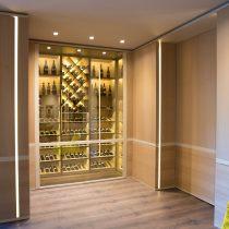 salotto-moderno-cantina-vino-villa-milano-3
