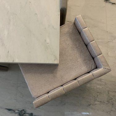 Tavolino con pouf integrato